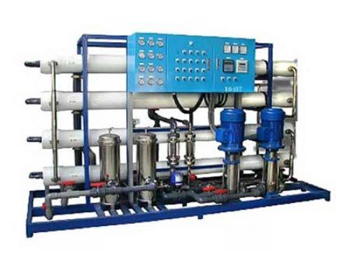 Desalación de agua de mar mediante sistema Osmosis Inversa
